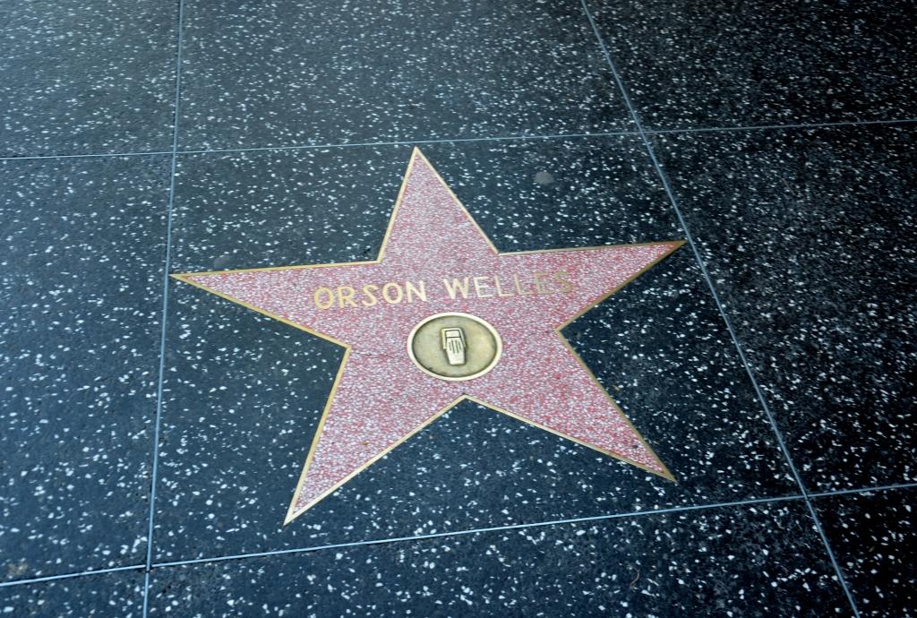 Gwiazda Orsona Wellesa na chodniku Hollywood Blvd